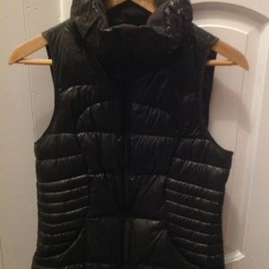 Lululemon Fluffin' Awesome Puffer Down Vest 6 EUC